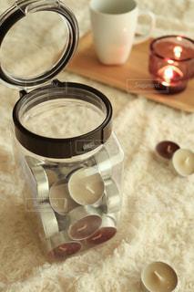 テーブルの上のコーヒー1杯の写真・画像素材[2856729]