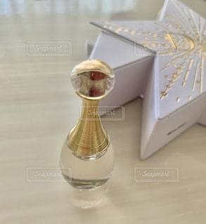 星,香水,美容,コスメ,化粧品,ゴールド,dior,ラグジュアリー ミニチュア ギフト,ジャドール オードゥ パルファン,クリスマス エディション