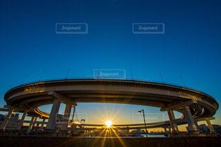 空,橋,太陽,光,ループ橋