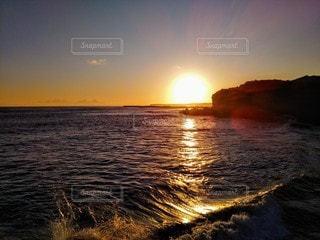 自然,風景,海,空,夕日,太陽,夕焼け,夕暮れ,波,水面,海岸,光,地平線,銚子