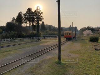 空,太陽,光,鉄道