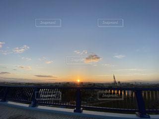 空,橋,屋外,大阪,太陽,雲,都市,光,住宅街,日の出,クラウド