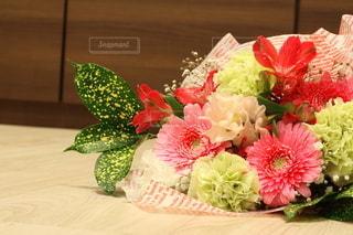 花束のプレゼントの写真・画像素材[2962962]