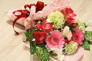 花束のプレゼントの写真・画像素材[2962966]