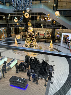 グランフロント大阪 クリスマスツリーの写真・画像素材[2794282]