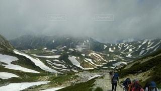 霊山を登るの写真・画像素材[2818377]