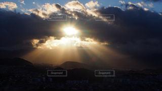 自然,空,太陽,雲,光,日の出,天使の梯子