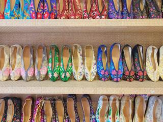台湾で有名な刺繍靴のお店の写真・画像素材[3111025]