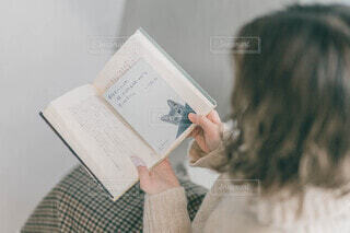 本と猫。の写真・画像素材[3691039]