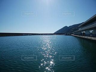 自然,風景,空,屋外,太陽,晴れ,晴天,水面,海岸,山,光,日中