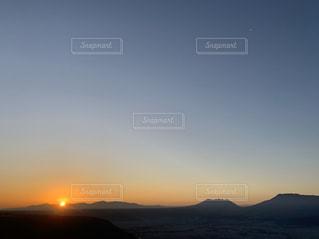 男性,自然,空,太陽,山,光,日の出,高原,初日の出
