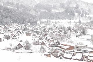 展望台から見た白川郷合掌村の雪景色の写真・画像素材[2852775]