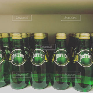 クローズ ボトルのアップの写真・画像素材[899856]