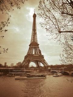 海外 フランス、パリ エッフェル塔の写真・画像素材[2831023]