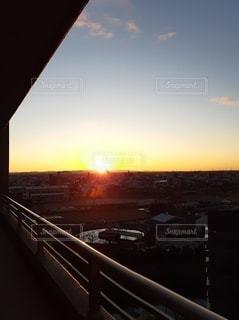 空,太陽,ベランダ,光,元旦,日の出,初日の出,輝く,昇る,令和2年