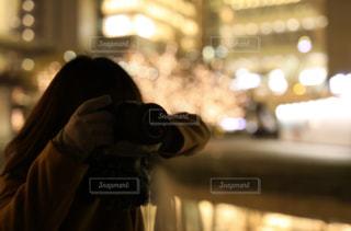 女性,カメラ,イルミネーション,人,グランフロント大阪,ぼやける,シャンパンゴールド