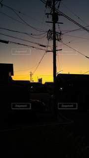 空,太陽,夕焼け,暗い,光,電線,夕陽,下町