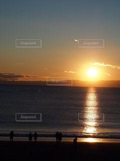 海,空,太陽,ビーチ,夕焼け,夕暮れ,水面,海岸,景色,光