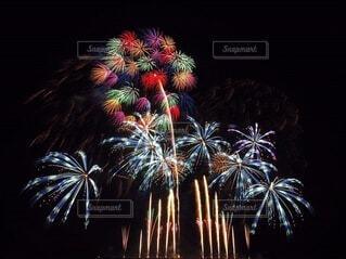 茅ヶ崎の打ち上げ花火の写真・画像素材[3620052]