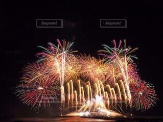 茅ヶ崎の打ち上げ花火の写真・画像素材[3620053]