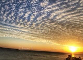 沈む夕日の写真・画像素材[2880340]