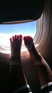 空,太陽,足,飛行機,窓,子供,光,暖かい