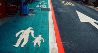 歩道上の標識の写真・画像素材[1217684]
