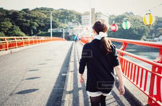 夏,橋,後ろ姿,散歩,人物,背中,人,後姿,旅行,旅,祭,屋久島,夏祭り