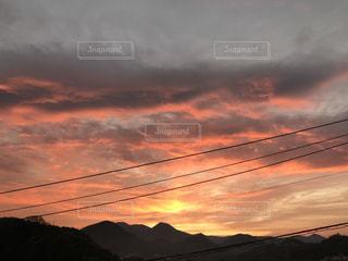 空,屋外,太陽,雲,山,光,朝焼け,日の出,明るい