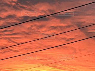 自然,風景,空,太陽,雲,オレンジ,光,朝焼け,朝,明るい,景観