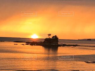 自然,風景,海,空,屋外,太陽,ビーチ,島,夕暮れ,水面,海岸,水平線,光