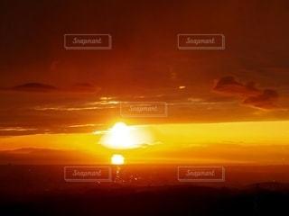 空,夕日,太陽,雲,夕暮れ,水面,光