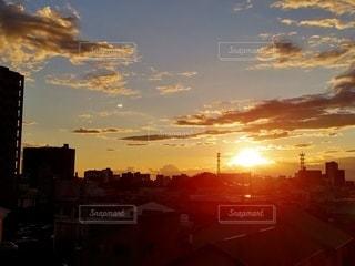 空,夕日,街並み,太陽,夕暮れ,光