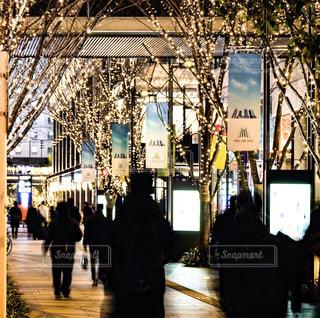 女性,男性,家族,恋人,5人以上,風景,屋外,イルミネーション,都会,人,たくさん,通り,アンバサダー,グランフロント大阪,シャンパンゴールド