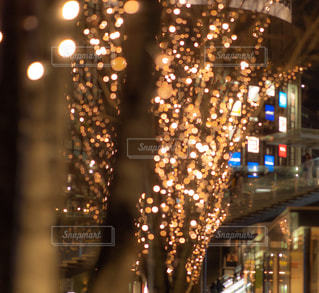 夜,夜景,光,イルミネーション,都会,梅田,大阪駅,夜の街,アンバサダー,グランフロント大阪,ウメキタ,シャンパンゴールド