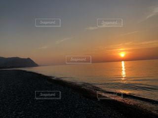 風景,海,空,屋外,太陽,ビーチ,雲,砂浜,夕暮れ,水面,海岸,水平線,光,北陸,日本海,クラウド