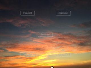 空,屋外,太陽,雲,夕焼け,夕暮れ,光,日の出,クラウド,設定,今晩