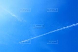 飛行機雲 青空の写真・画像素材[3343426]