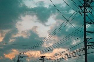 夕立後の夕空の写真・画像素材[3472903]