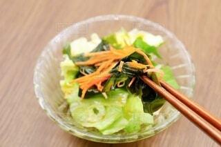 海藻サラダ わかめ レタス にんじんの写真・画像素材[3907892]