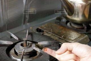 油汚れの付着したガスコンロの写真・画像素材[4011514]