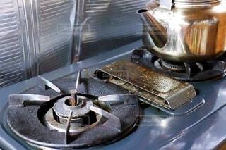 油汚れの付着したガスコンロの写真・画像素材[4011515]