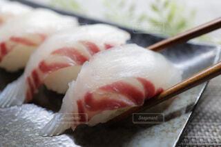 鯛の握り寿司の写真・画像素材[4358629]