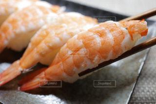 海老の握り寿司の写真・画像素材[4358623]