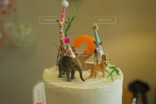 子ども,食べ物,スイーツ,ケーキ,動物,デザート,誕生日,誕生日ケーキ,バースデー,2歳,動物フィギュア