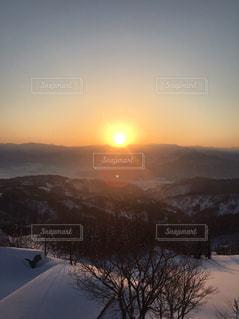 自然,風景,空,冬,雪,屋外,太陽,雲,夕暮れ,山,光,日の出,斜面,クラウド