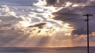 空,太陽,雲,光,太陽光,光のカーテン