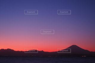 自然,風景,海,空,富士山,屋外,太陽,雲,夕焼け,夕暮れ,水面,山,日没,光,日の出,湘南,マジックアワー,日の入