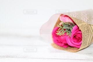 バラのプレゼントの写真・画像素材[3085761]
