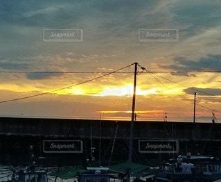 空,屋外,太陽,雲,光,日の出